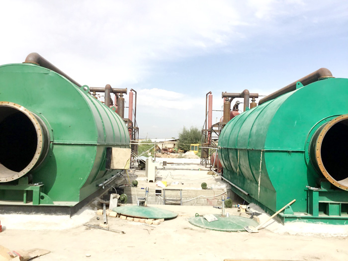 2 sets 12T/D pyrolysis tyre plant finished install in Kyrgyzstan
