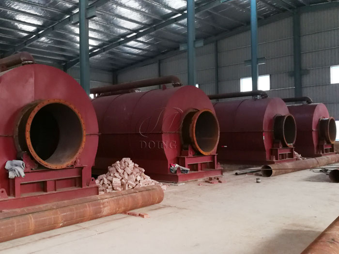 4 sets of 12T waste tire pyrolysis equipment installed in Fujian, China