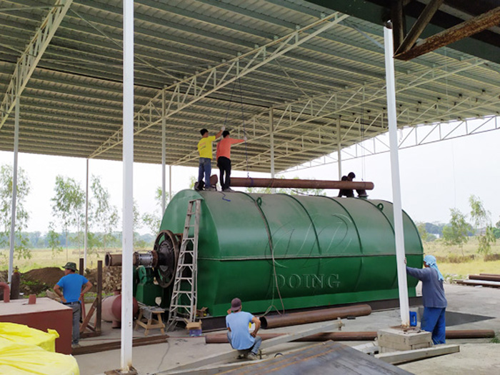 One set 12T waste tyre to oil pyrolysis plant was installed in the Philippines