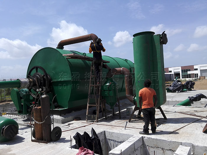 Operation site video of 12T scarp tyre pyrolysis plant in Panama
