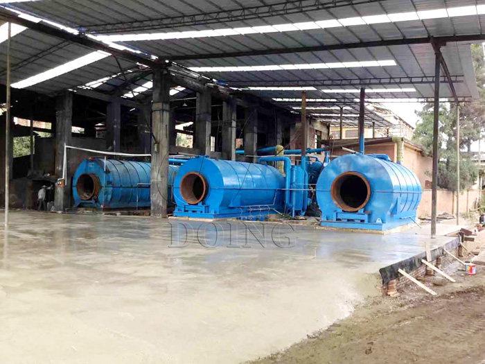 2 sets plastic pyrolysis recycling to oil machines installed