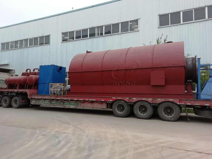 Three sets 12T waste tire pyrolysis plant were delivered to Nigeria