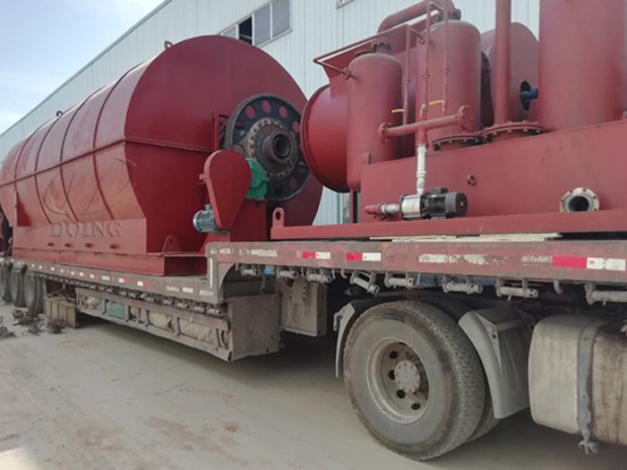 One set 10T waste tyre to oil recycling plant was sent to Sichuan, China