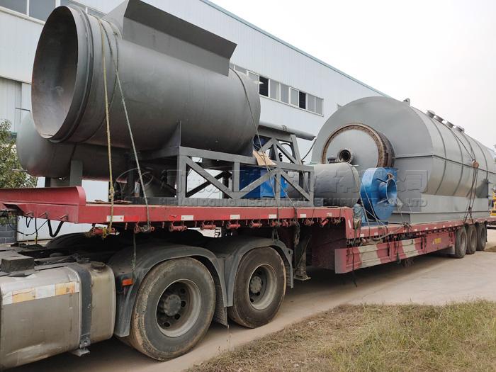 2 sets 12T waste plastic pyrolysis plant were sent to Czech Republic